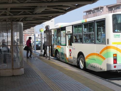 JR立花バス停乗り場北行きの写真